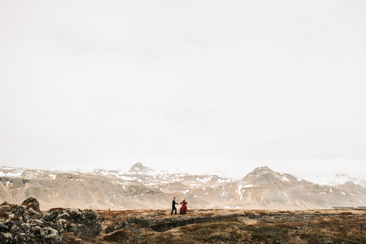 destination-wedding-photographer-iceland-engagement-session-2