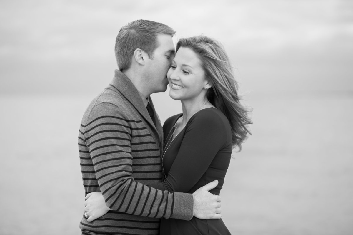 Fall-North-Avenue-Beach-Engagement-05
