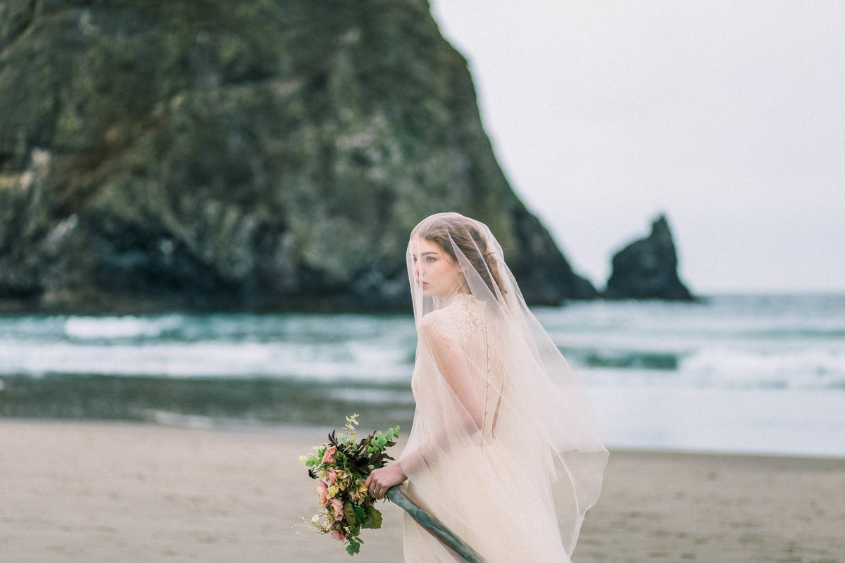 Cannon-Beach-Bridal-Editorial-Georgia-Ruth-Photography-31