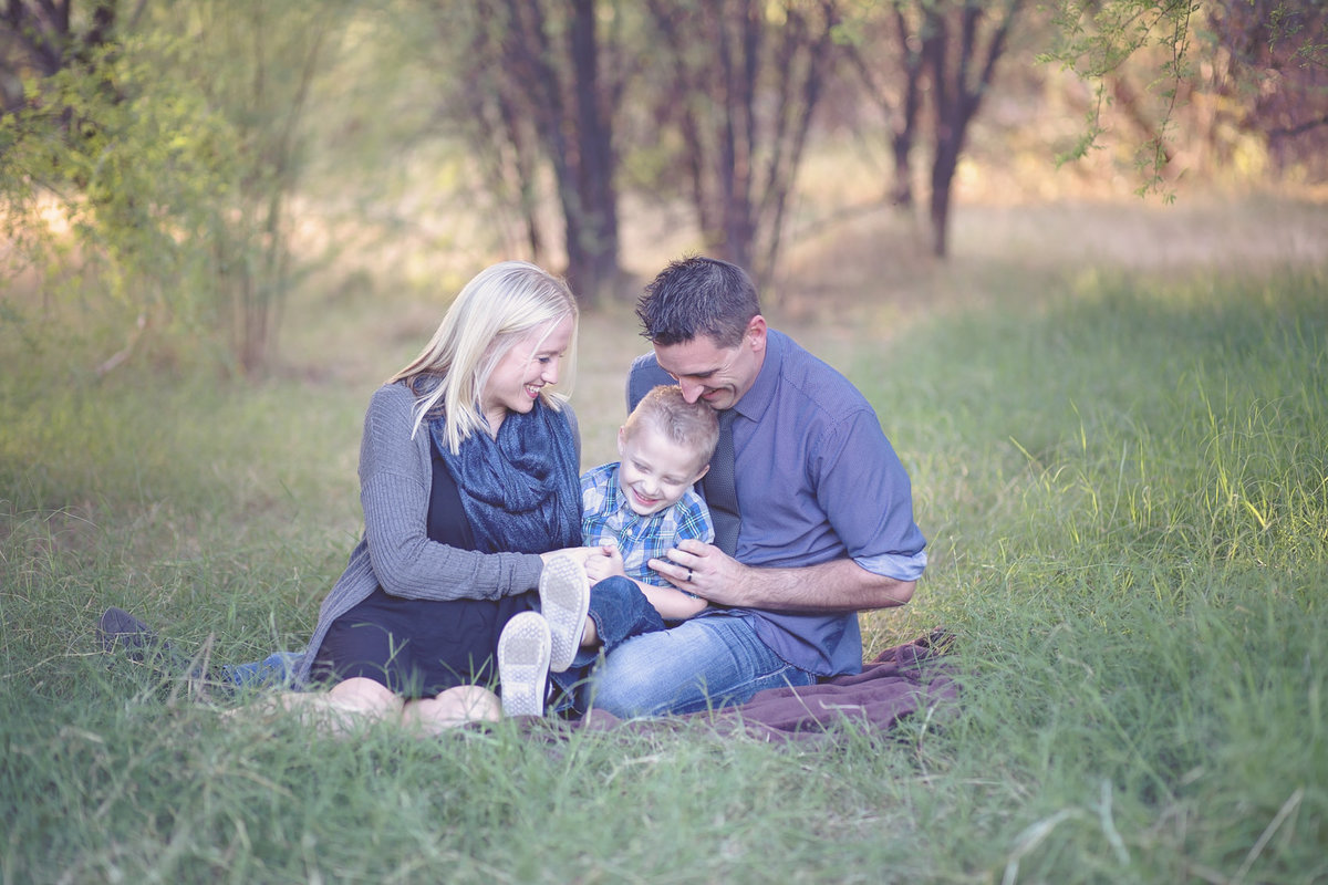 fun family portrait  by Scottsdale, Arizona family photographer Plume Designs & Photography