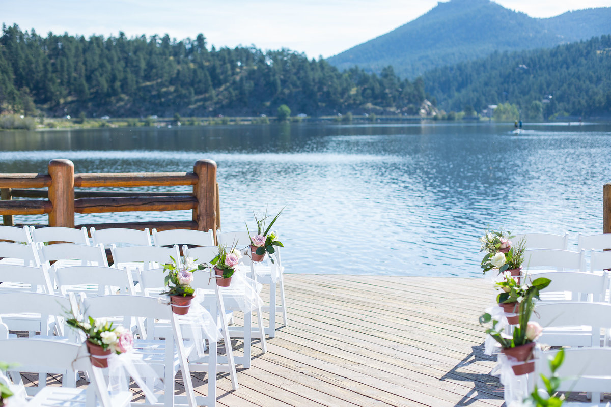 mountain-wedding-outdoor-ceremony