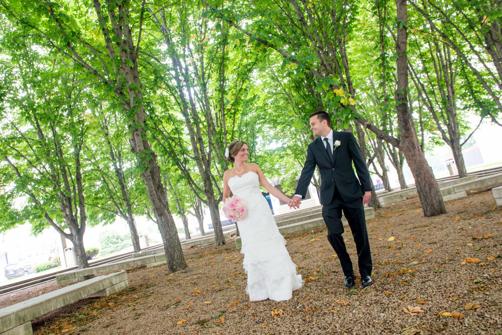 Milwaukee-Wedding-Photographer-Modern-Creative-32