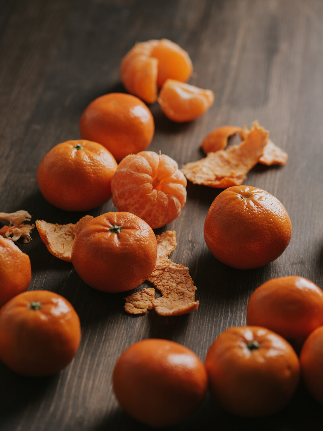 mandarines on wood backdrop