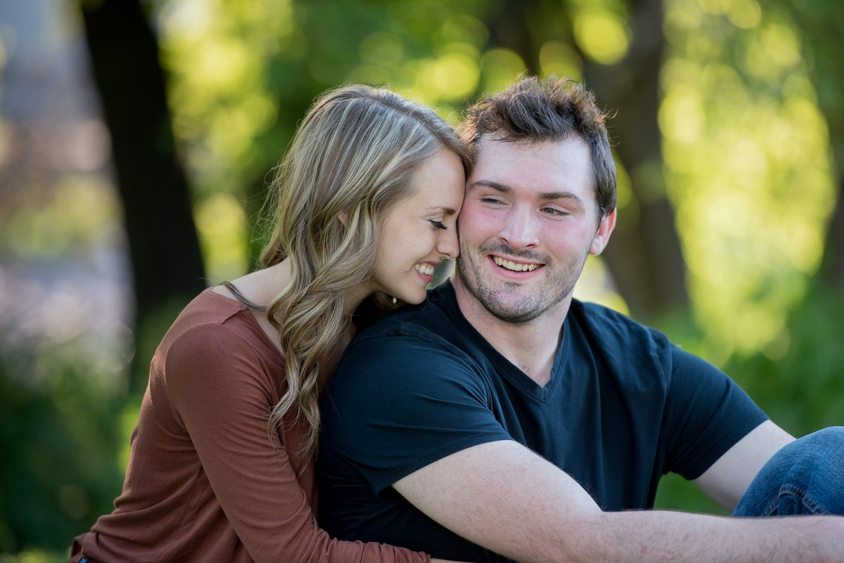 Fargo's best engagement photographers kris kandel (6)