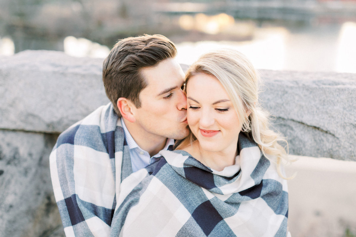TiffaneyChildsPhotography-ChicagoWeddingPhotographer-AnneMarie+Connor-LincolnParkNatureBoardwalkEngagementSession-86