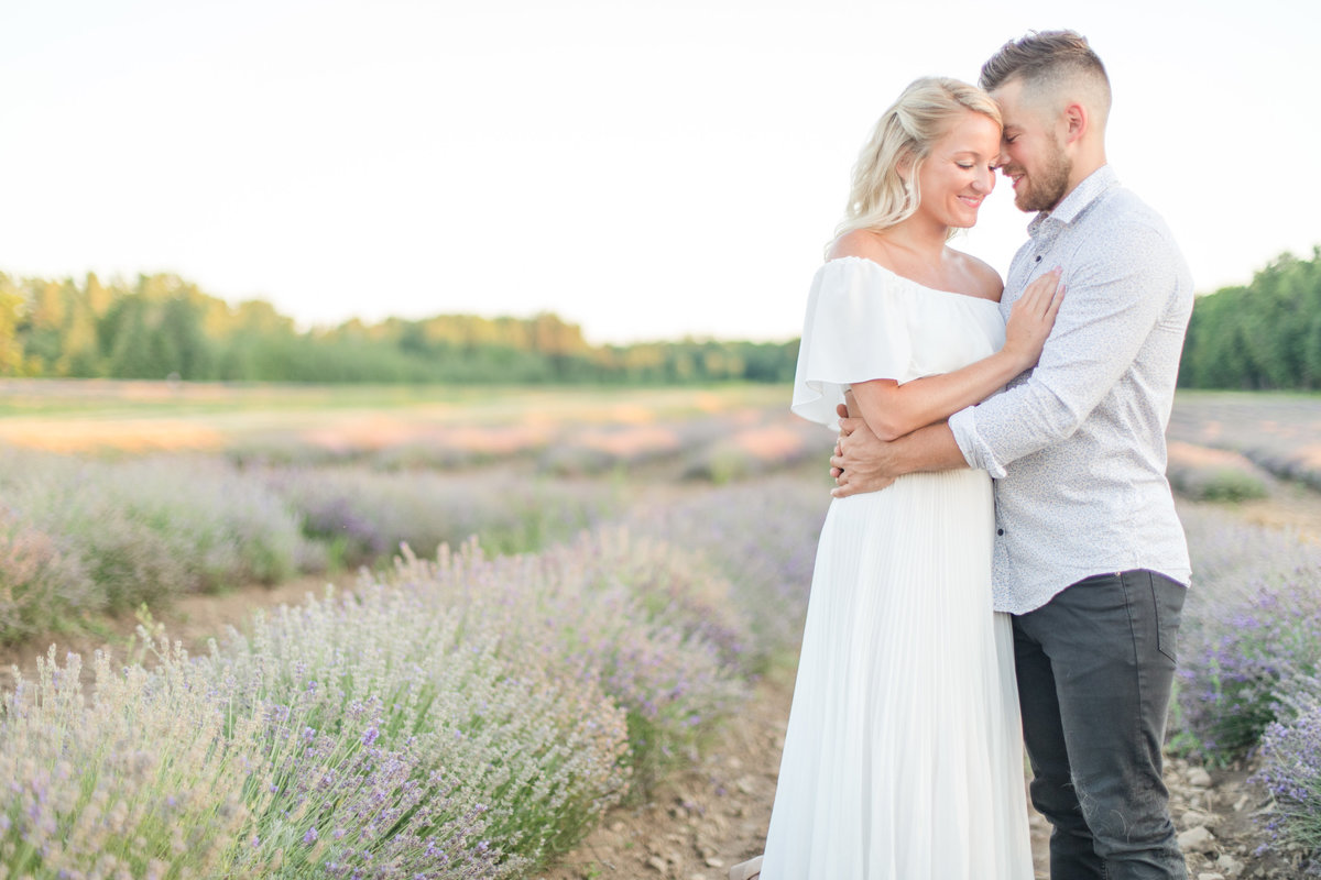 Ottawa-Wedding-Photographer-La-Maison-Lavande-Lavender-Field-Engagement-2