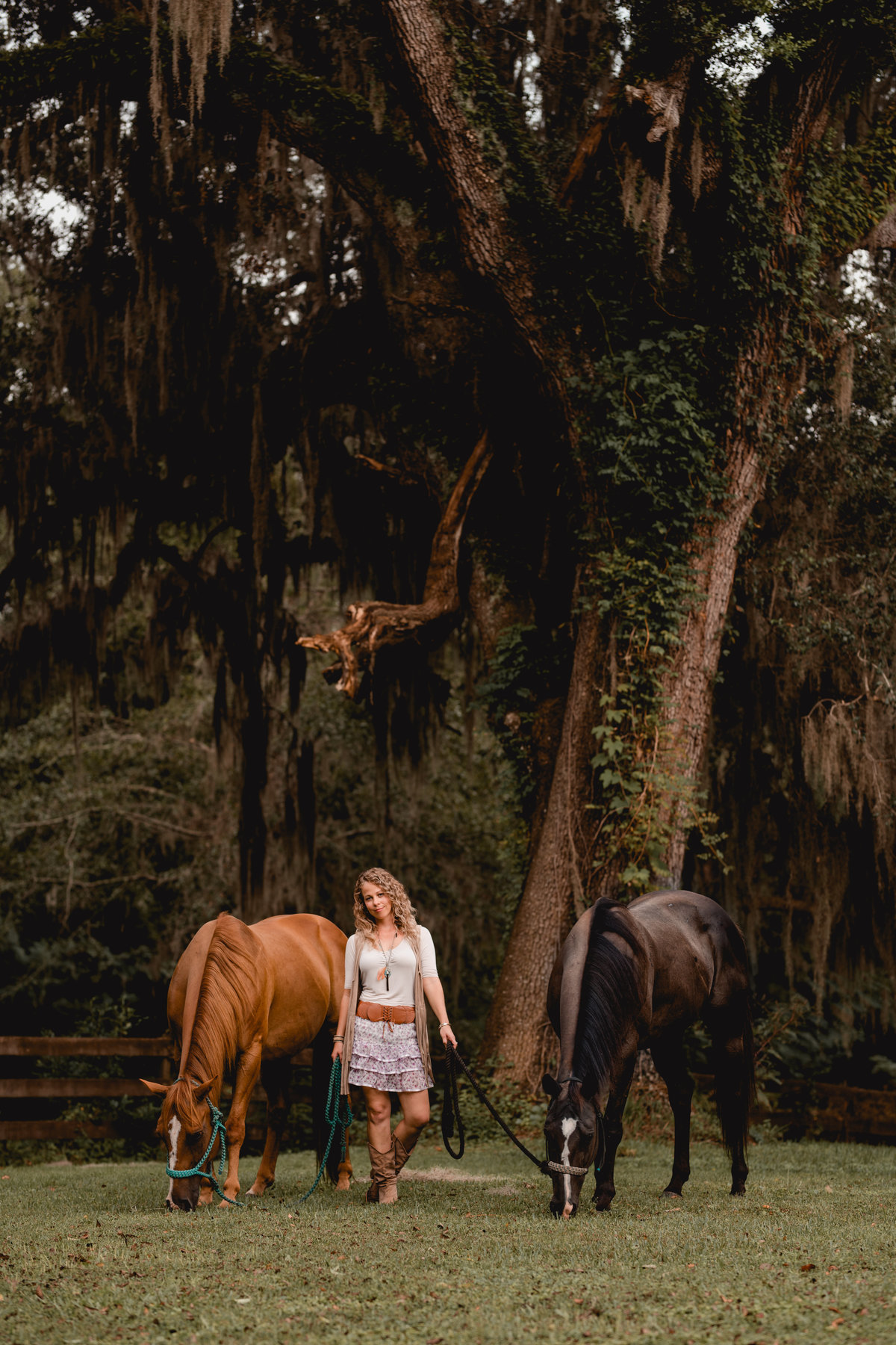 Girl with her two barrel racing horses photo session in North Florida.