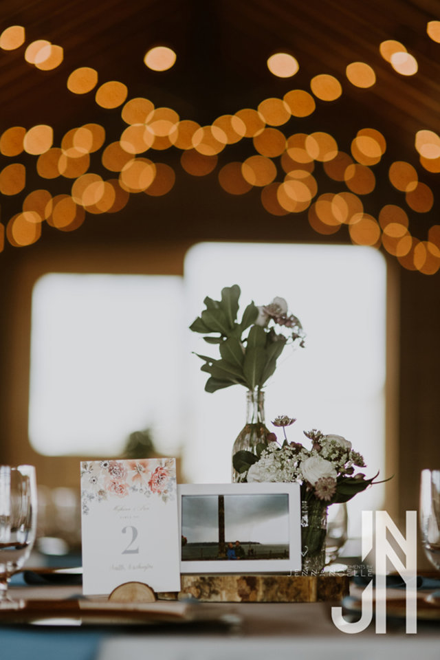 granby-colorado-strawberry-creek-ranch-classic-mountain-wedding-in-the-summer-table-reception