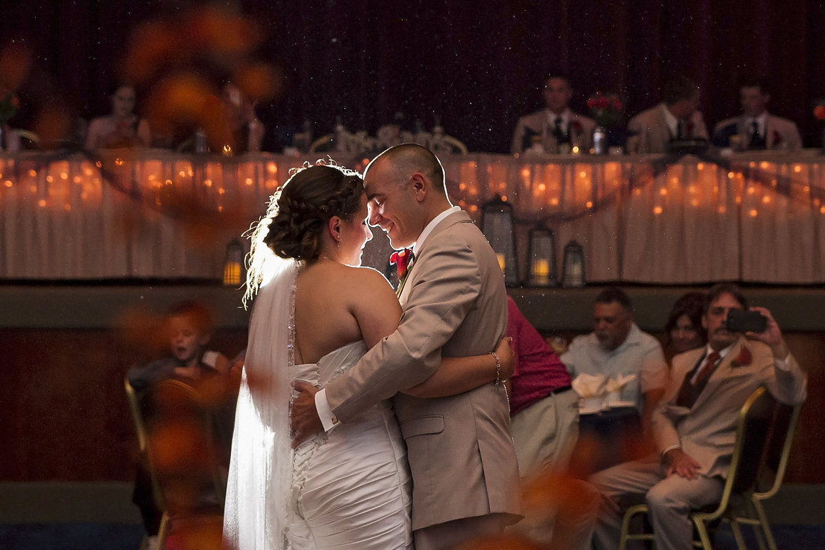 Elegant first dance wedding by Casi Lea Photography-green bay wedding photographer-door county wedding photographer-milwaukee wedding photographer-appleton wedding photographer-wisconsin weddings