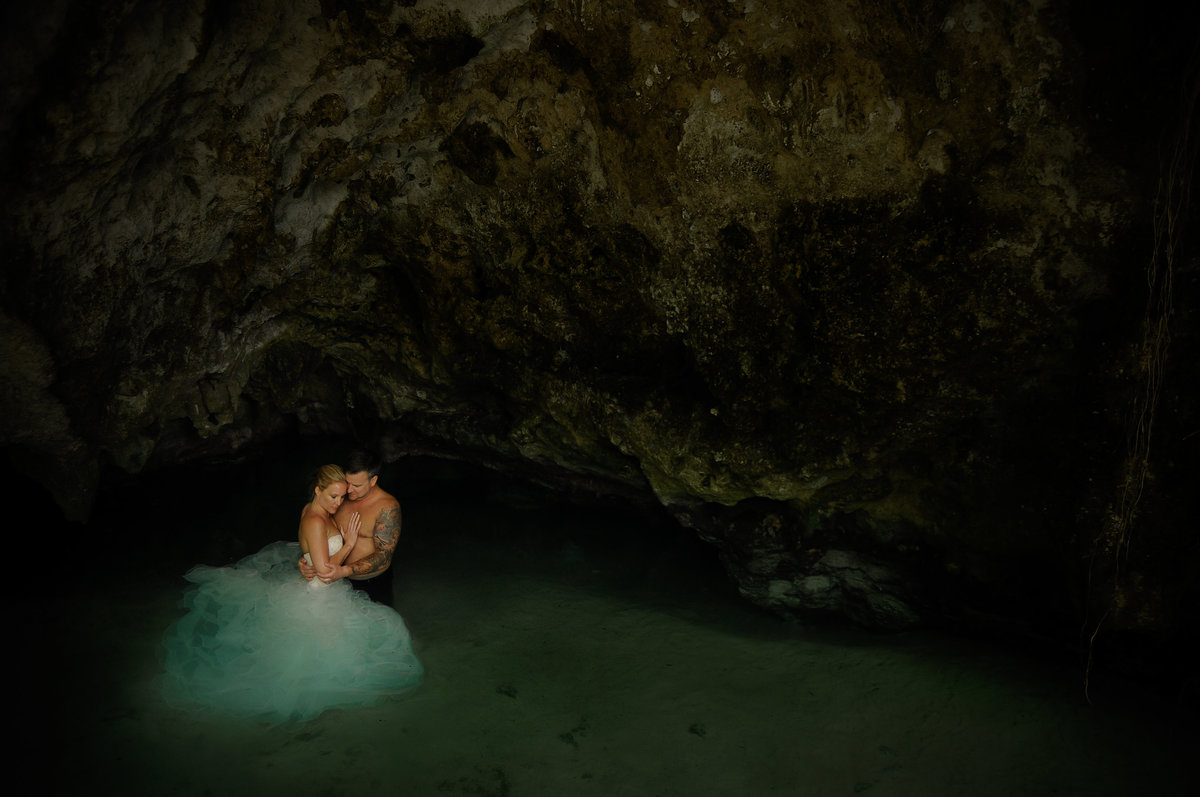 Destination wedding in Tulum Mexico, Ceynote  water wedding photos