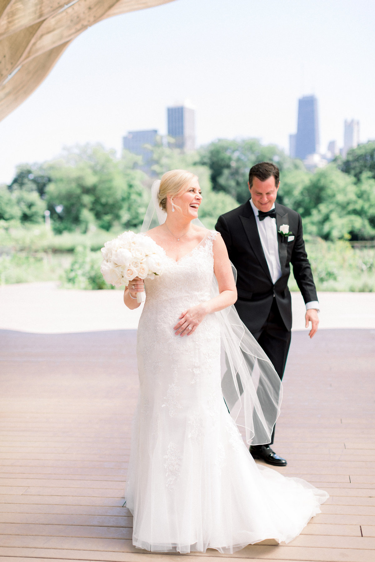 TiffaneyChildsPhotography-ChicagoWeddingPhotographer-Christine+Patrick-MundeleinAuditoriumWedding-BridalPortraits-38