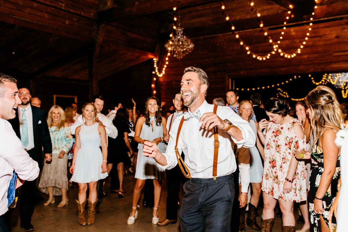 Alexa-Vossler-Photo_Dallas-Wedding-Photographer_North-Texas-Wedding-Photographer_Stephanie-Chase-Wedding-at-Morgan-Creek-Barn-Aubrey-Texas_172