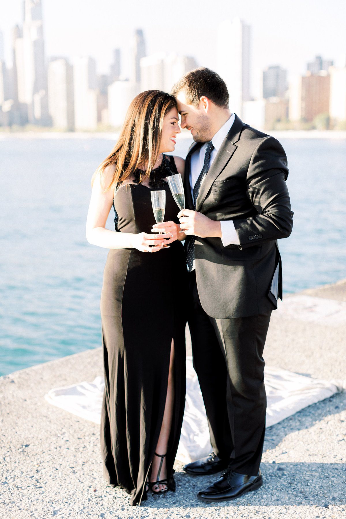 TiffaneyChildsPhotography-ChicagoWeddingPhotographer-Alana+Giancarlo-NorthAvenueBeachUnionStationEngagementSession-64