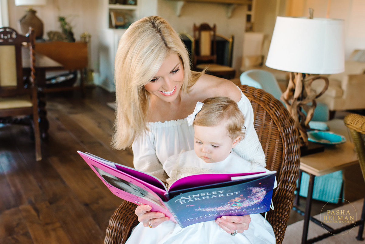 Ainsley Earhardt Family Pictures at Debordieu Club by Pasha Belman Photography | Top Myrtle Beach family photographers | Fox and Friends