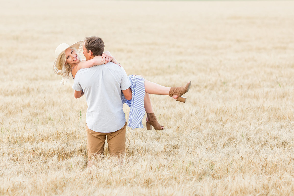 Fargo Engagement Photographers  (11)