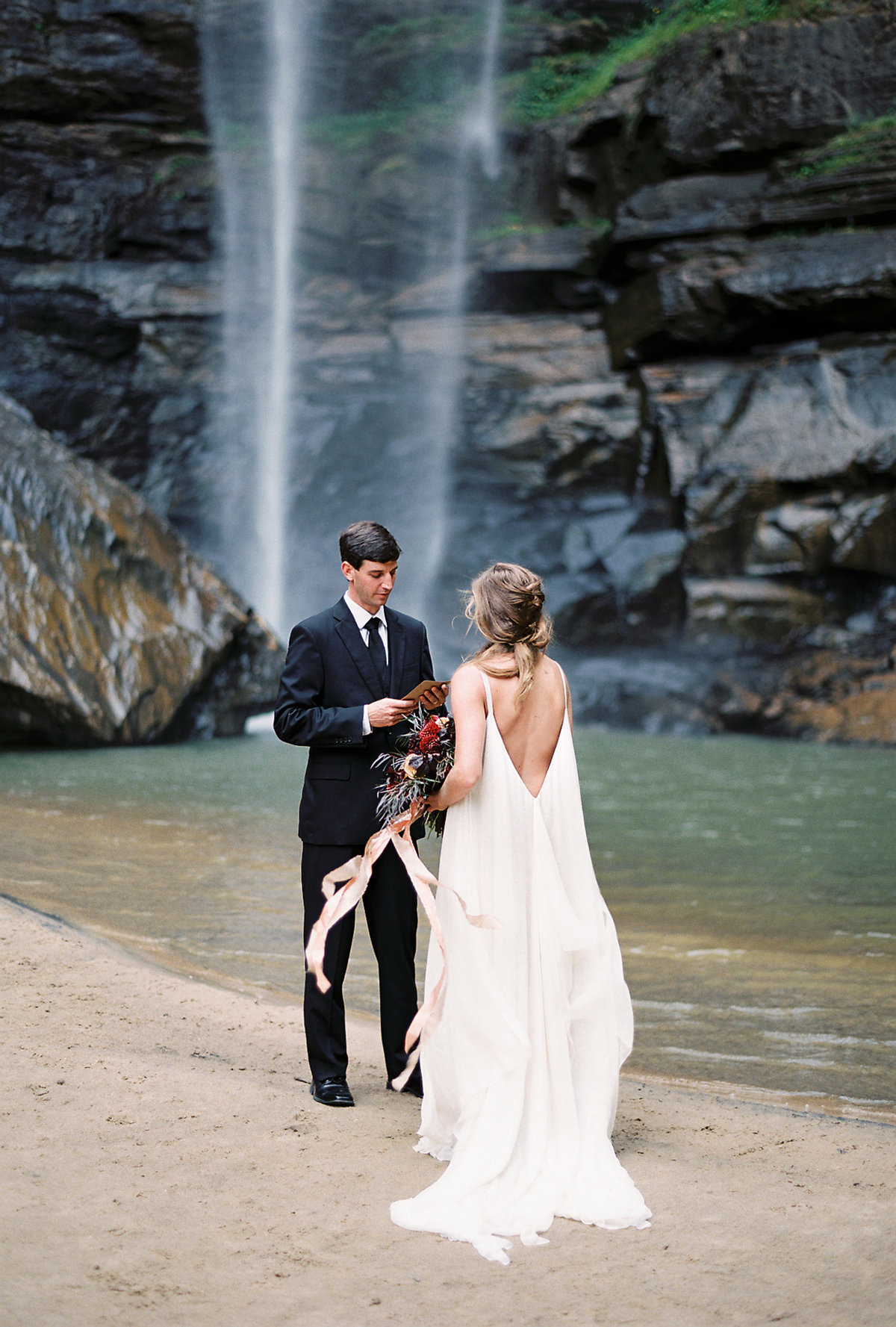 toccoa-falls-anniversary-session-melanie-gabrielle-photography-054