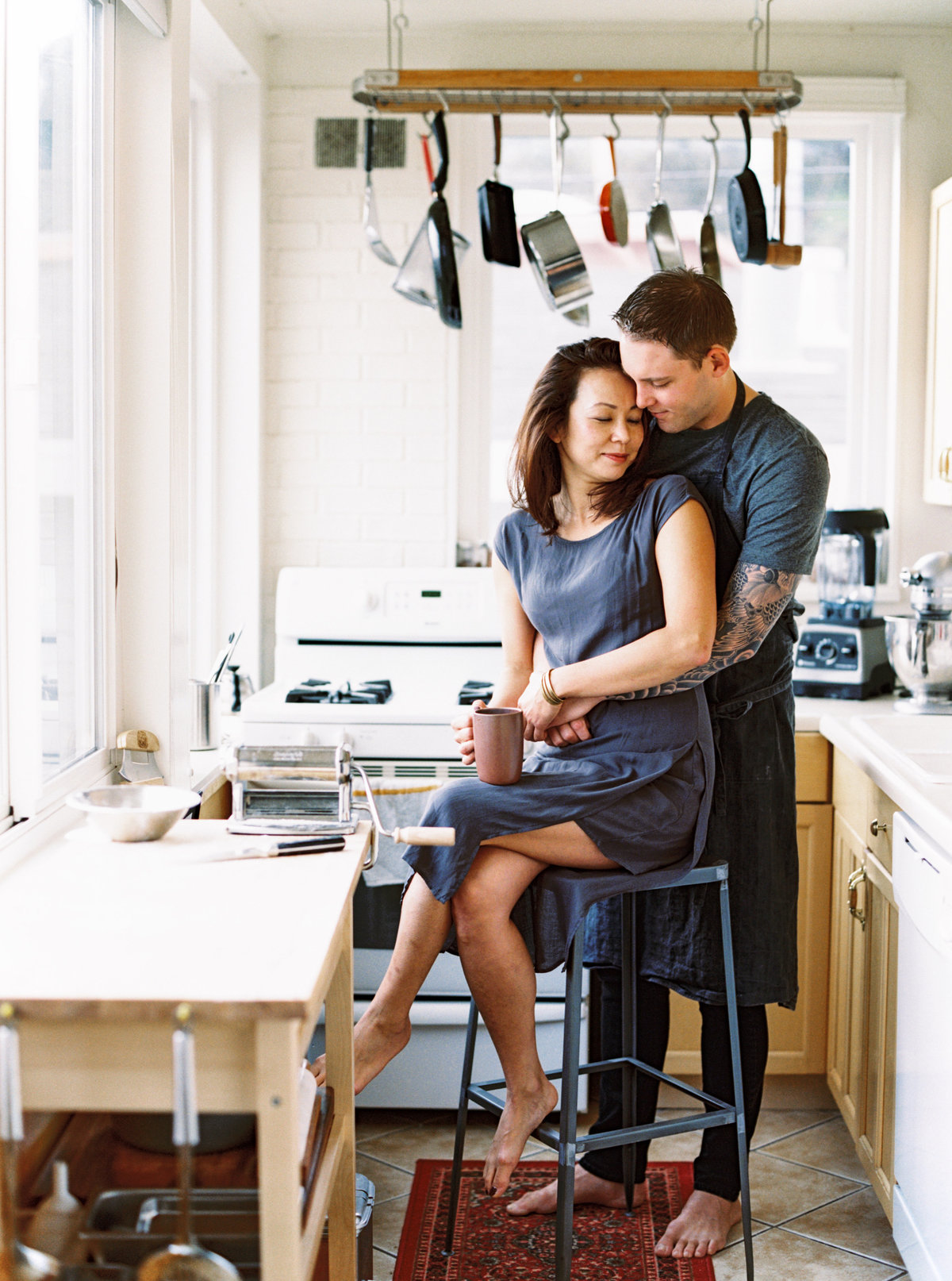 Sachi Sausalito Couples At-Home Lifestyle Session 017