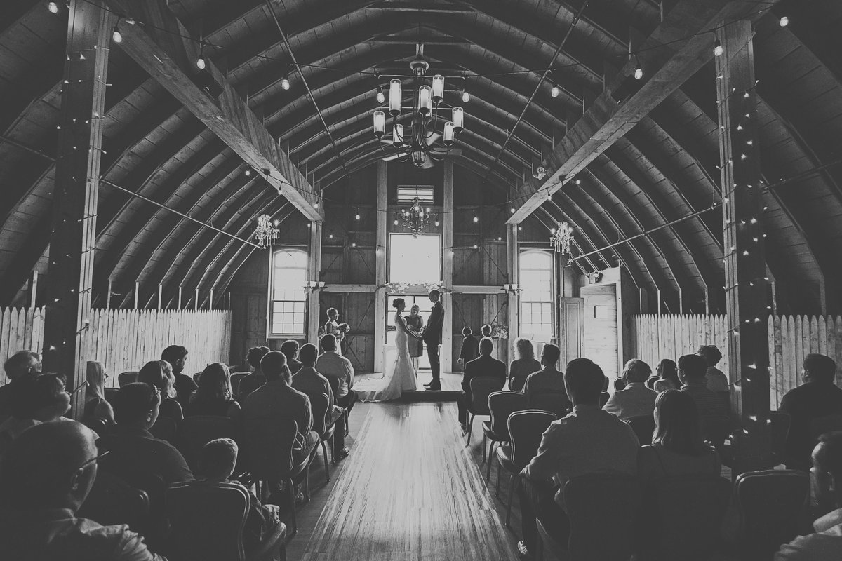 Rustic elegant barn wedding by Casi Lea Photography-green bay wedding photographer-door county wedding photographer-milwaukee wedding photographer-appleton wedding photographer-wisconsin weddings
