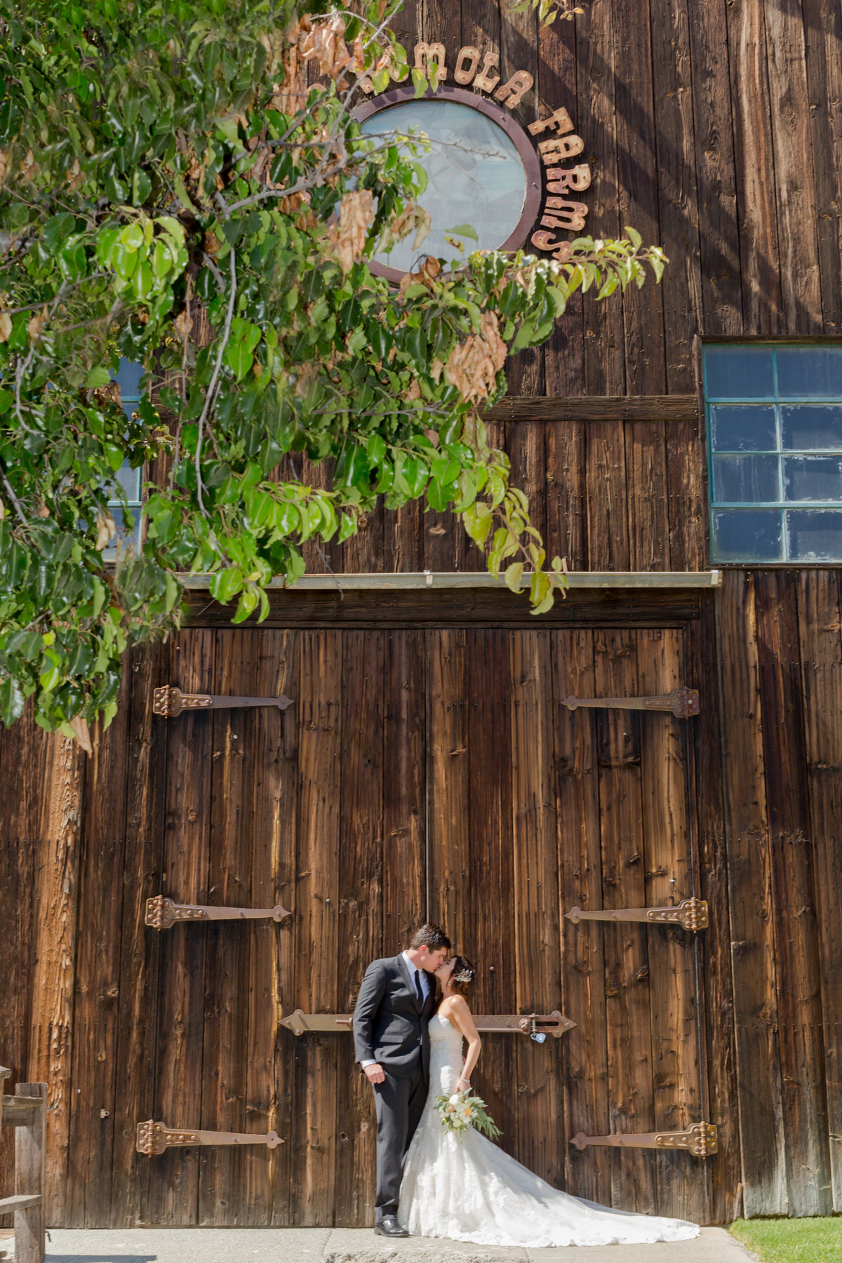 Erica Mendenhall Photography_Barn Wedding_MP_6483_edweb