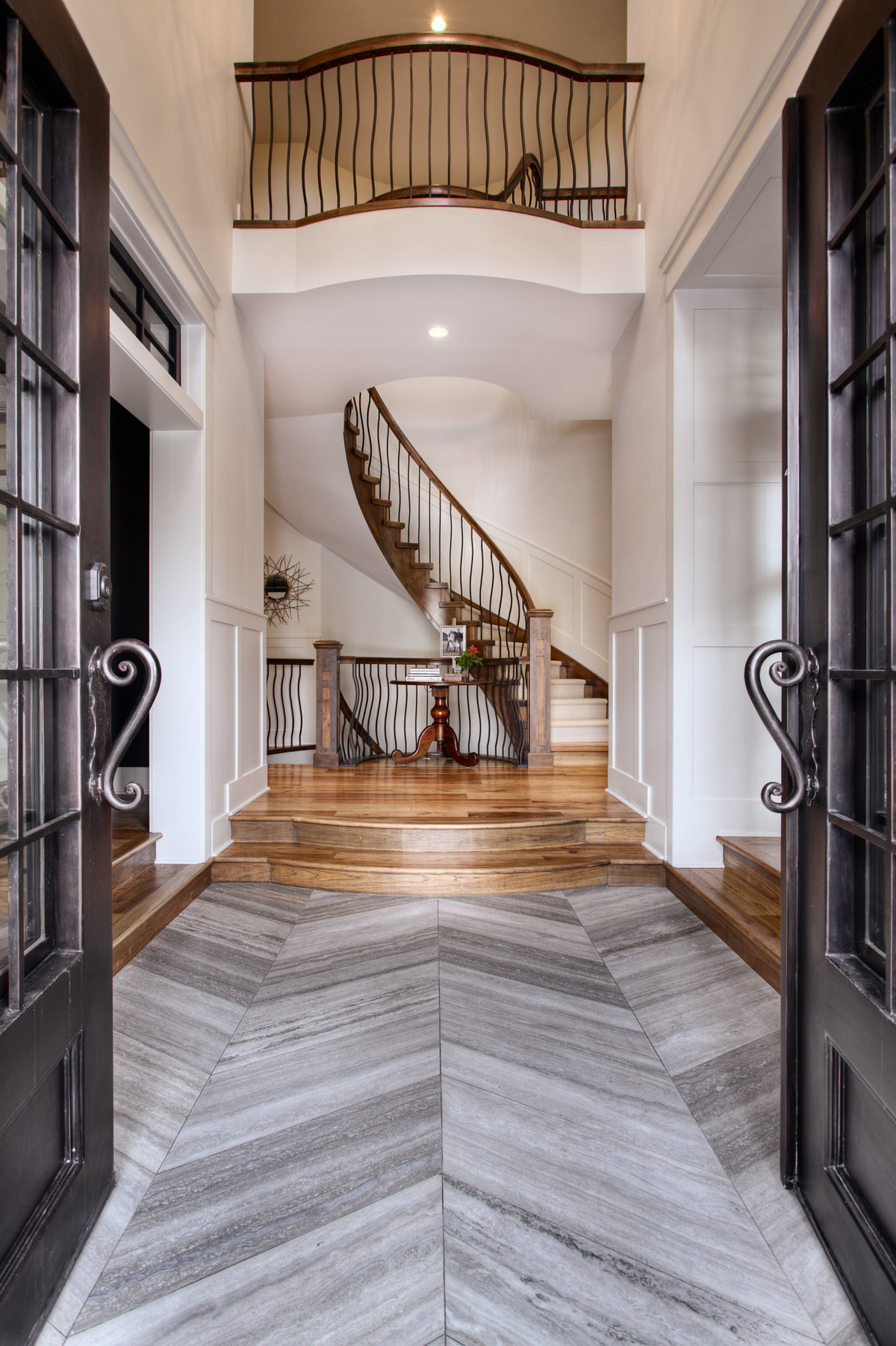 Bearspaw-custom-home-foyer