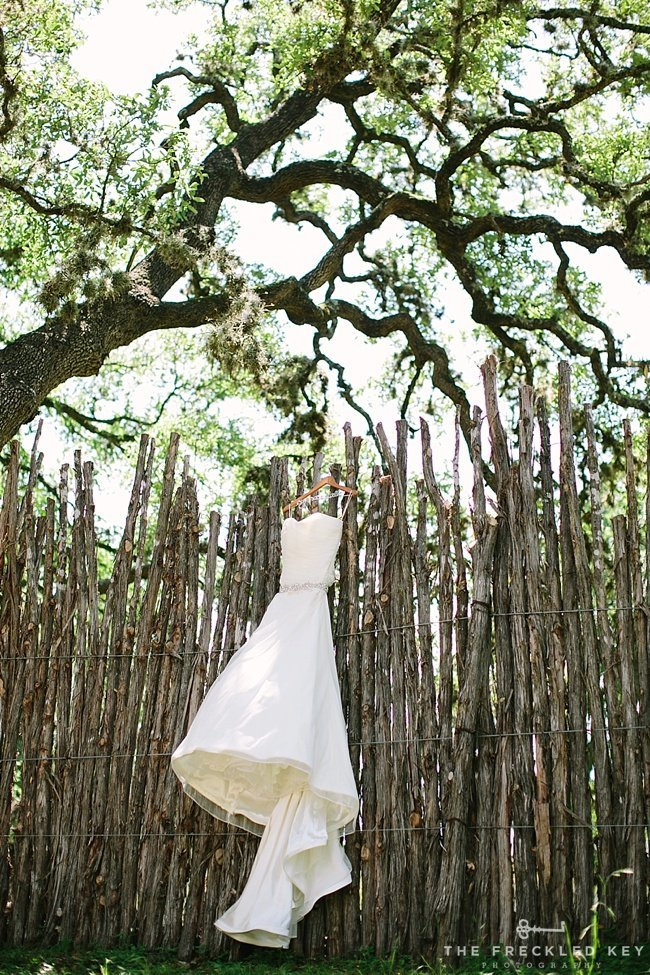 Austin-Wedding-Photographer_Hill-Country-Wedding_Cypress-Falls-Event-Center_0001