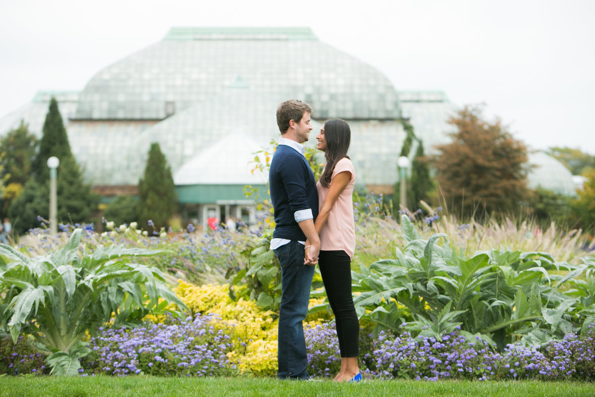 Lincoln-Park-Conservatory-Engagement-10