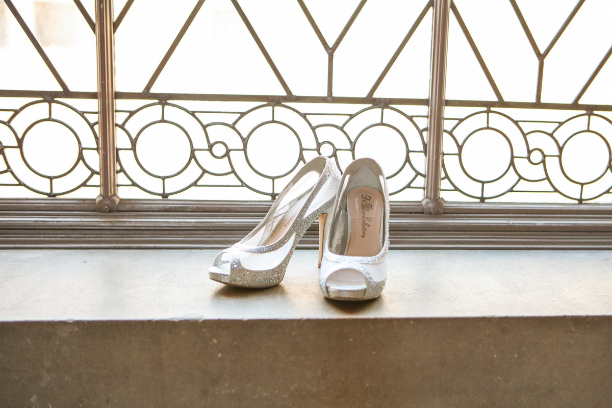 Wedding images, San Francisco, City Hall, Heels