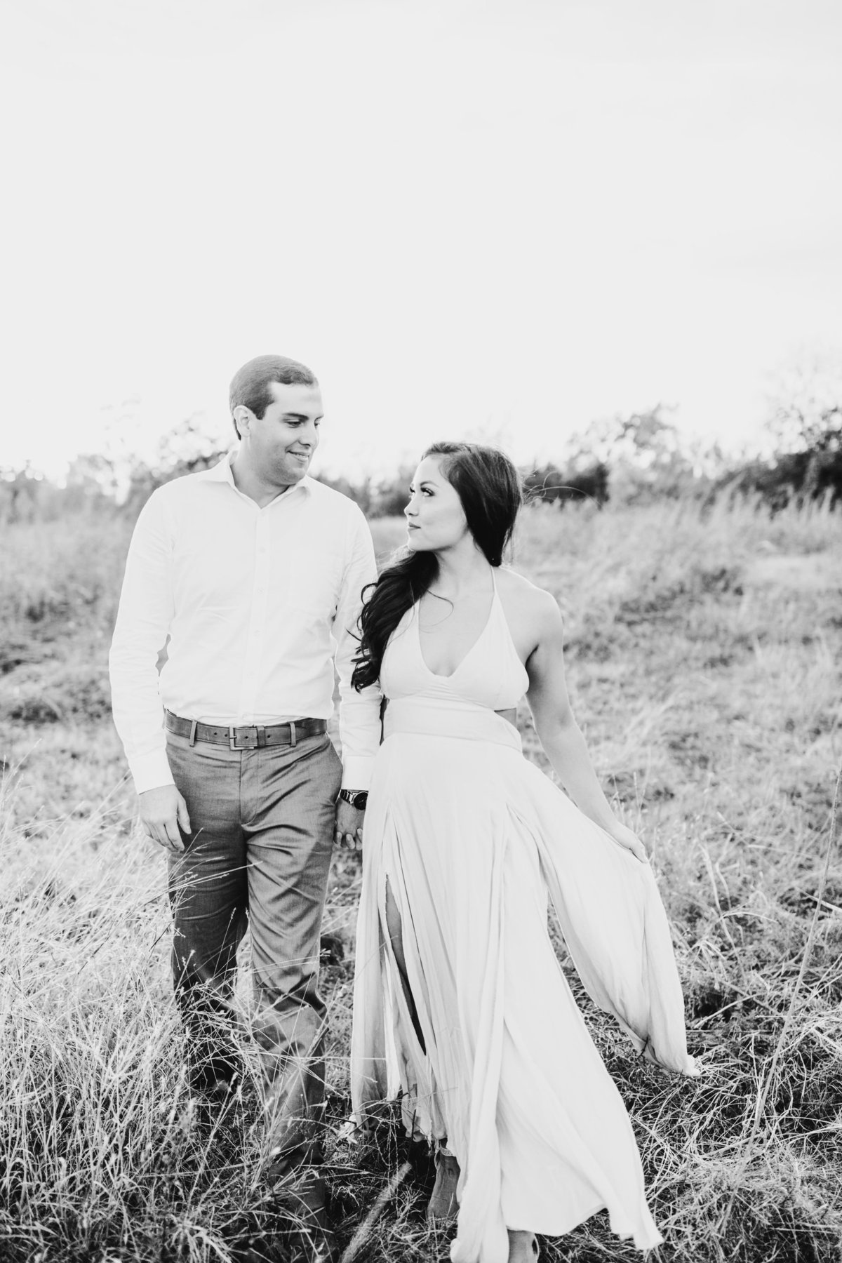 Alexa-Vossler-Photo_Dallas-Portrait-Photographer_White-Rock-Lake-Engagement-Session_Kaila-Gabe-21