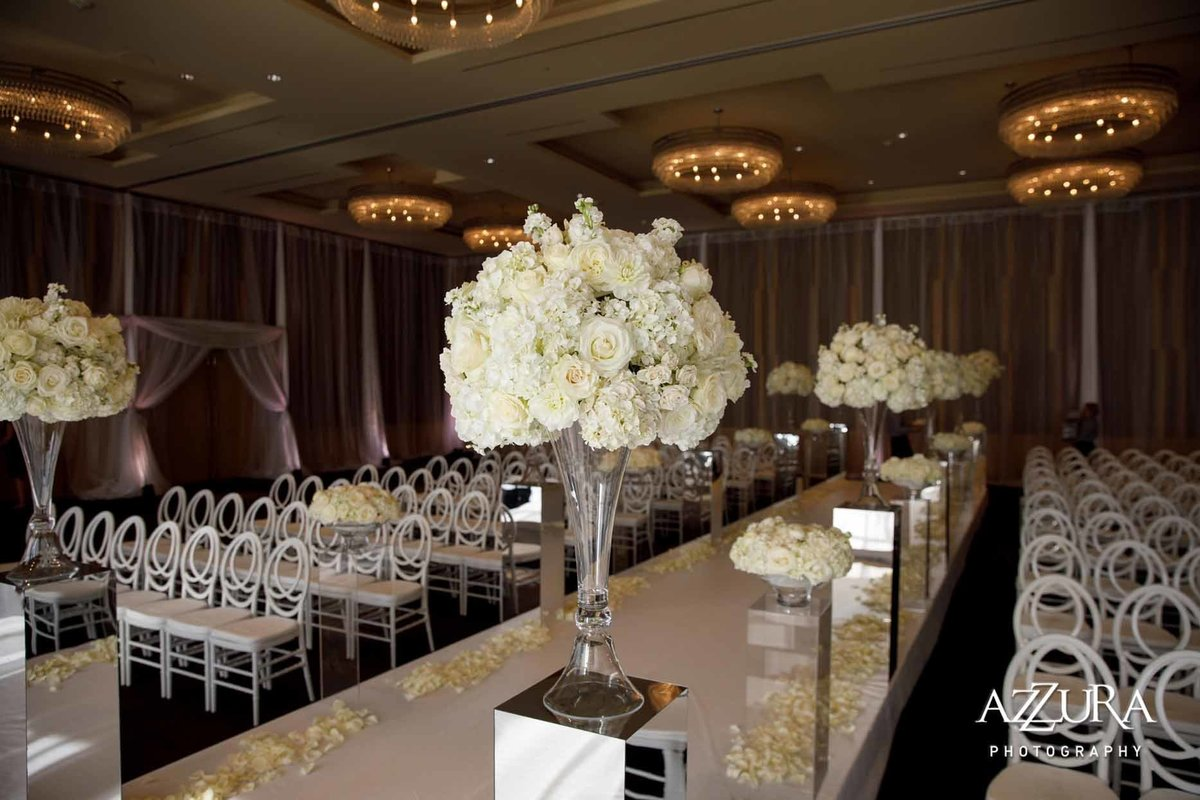 59luxe-four-seasons-wedding-Flora-Nova-Design