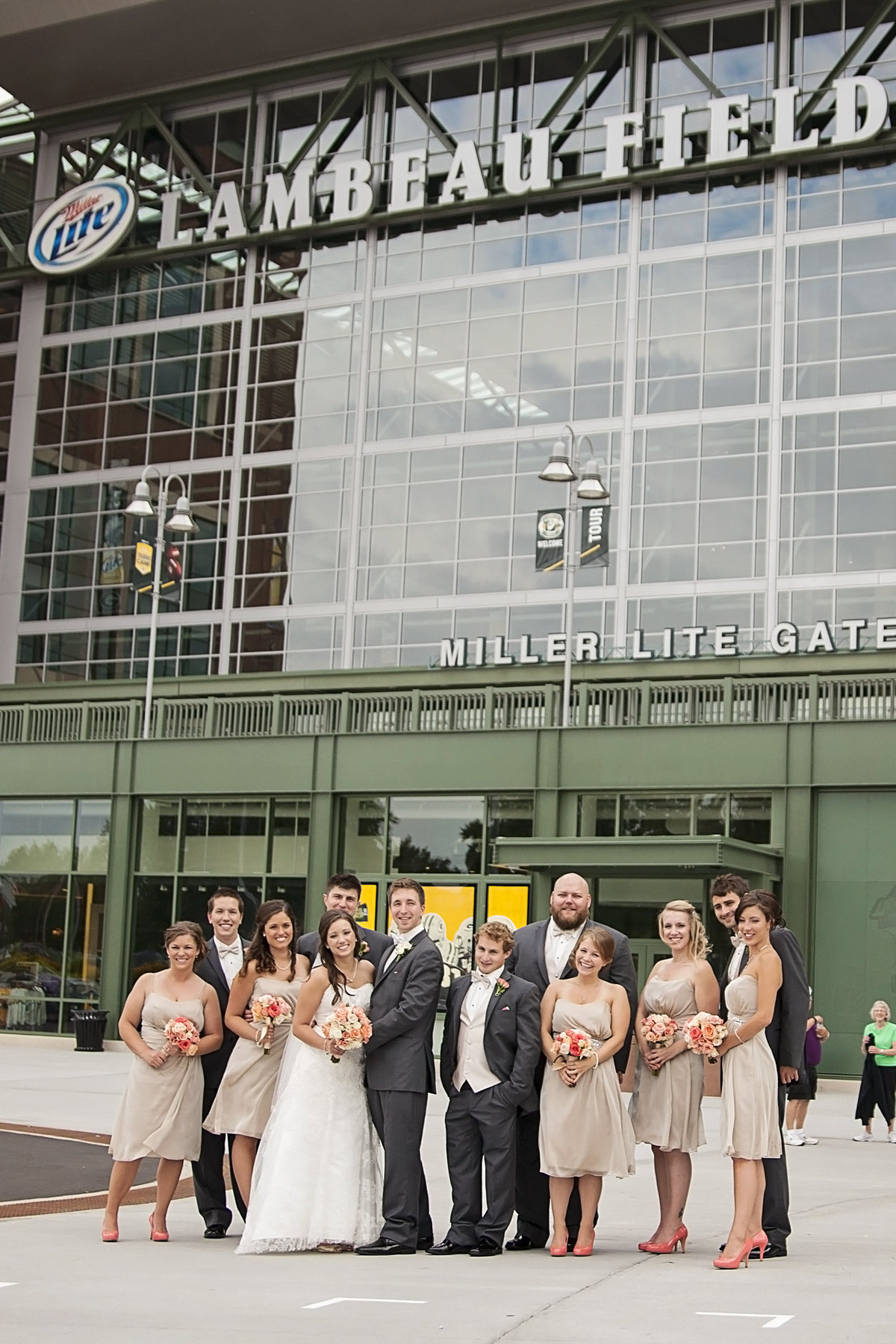 Elegant wedding at Lambeau Field by Casi Lea Photography-green bay wedding photographer-door county wedding photographer-milwaukee wedding photographer-appleton wedding photographer-wisconsin weddings