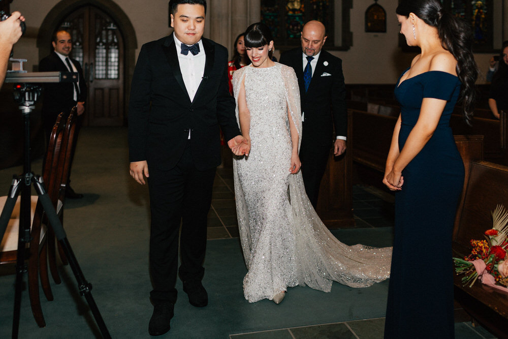 design-exchange-wedding-christine-lim-photography-white-oak-flower-co-033
