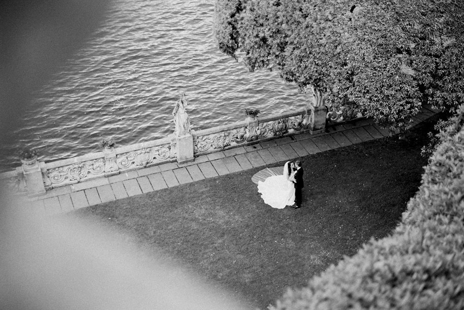 lake_como_italy_villa_balbianello_destination_wedding_melanie_gabrielle_041