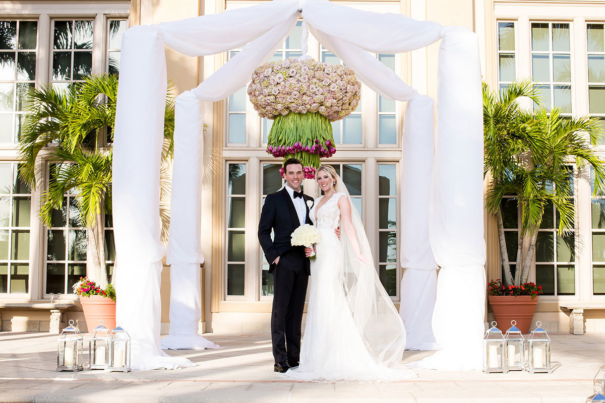 ritz carlton naples wedding photo center court