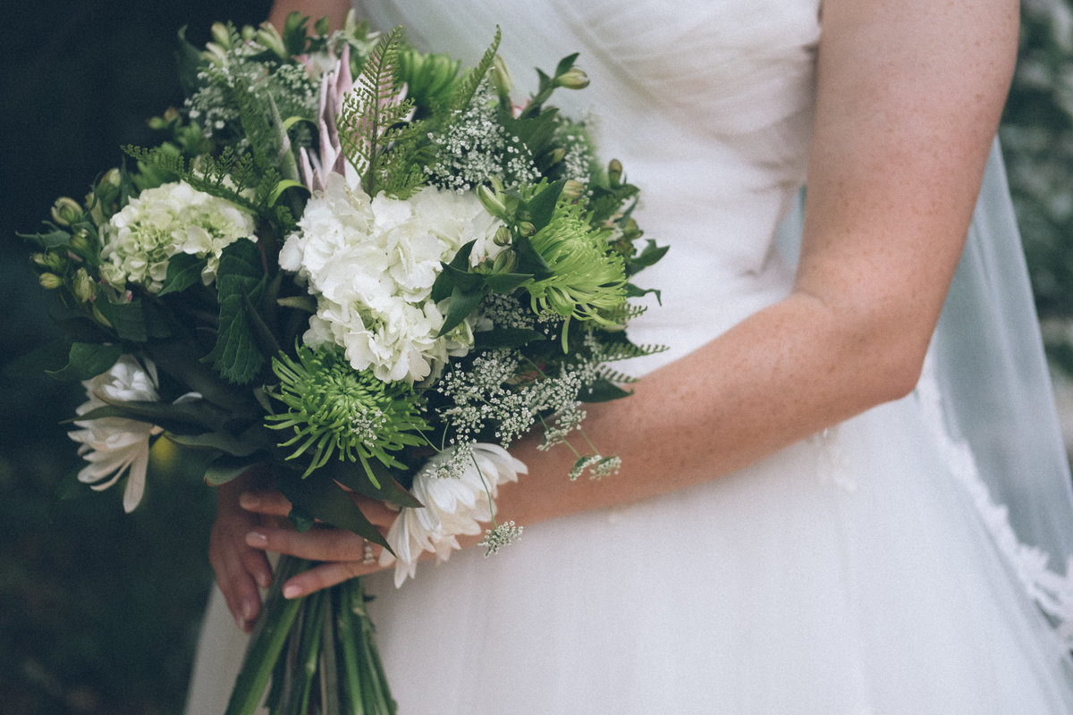green and white bride bouquet