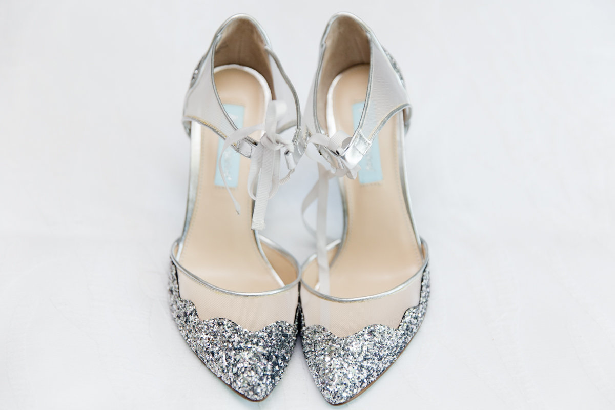 Ottawa-Wedding-Photographer-sparkly-wedding-shoes-photo-1