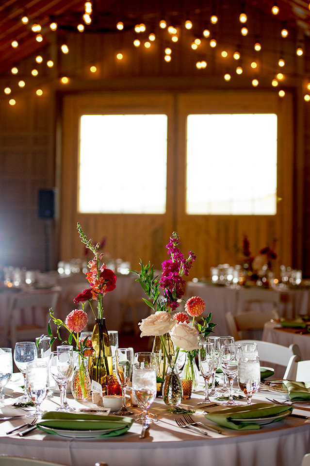 Granby-Colorado-Strawberry-Creek-Ranch-Wedding-Fire-on-the-Mountain-Wedding-Pops-of-Color-Fire-hot-colors-reception
