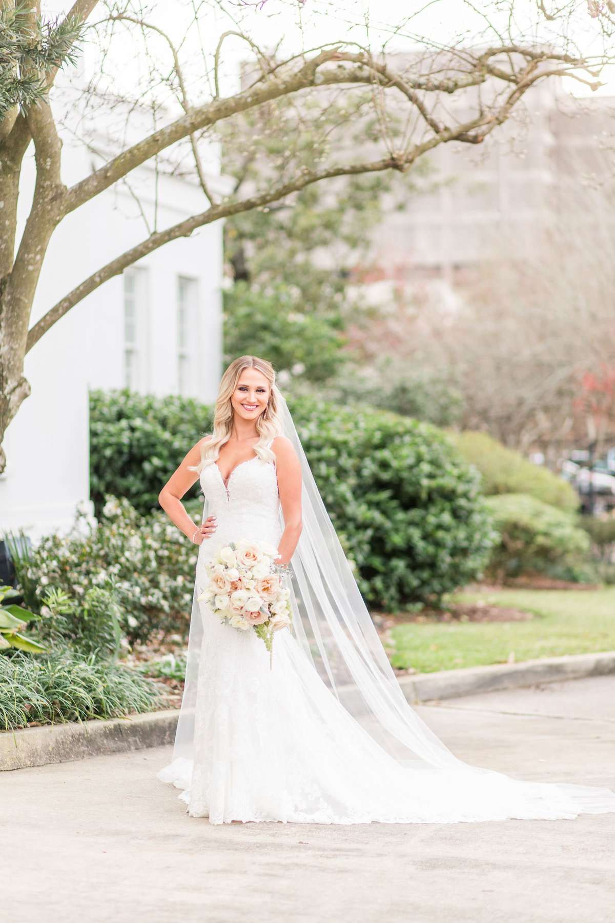 old_governors_mansion_baton_rouge_bridal_session_06