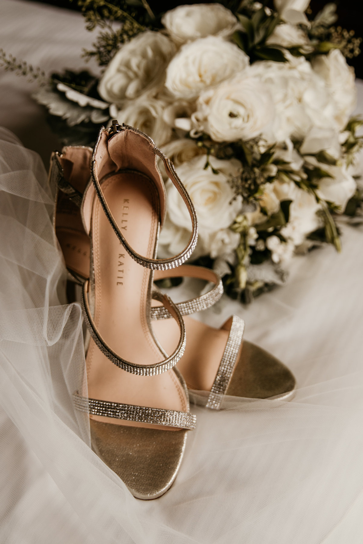 chicago-wedding-photographer-shoes-details-2
