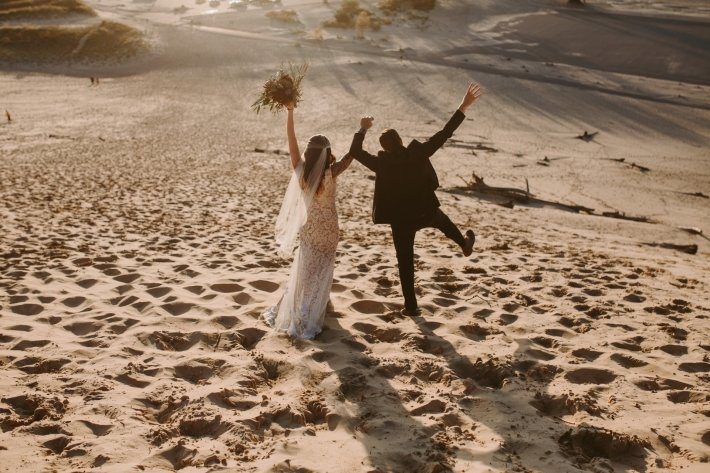 Michigan-Wedding-Photography-at-Warren-Dunes-State-Park-by-Megan-Saul-Photography-206-of-409(pp_w710_h473)