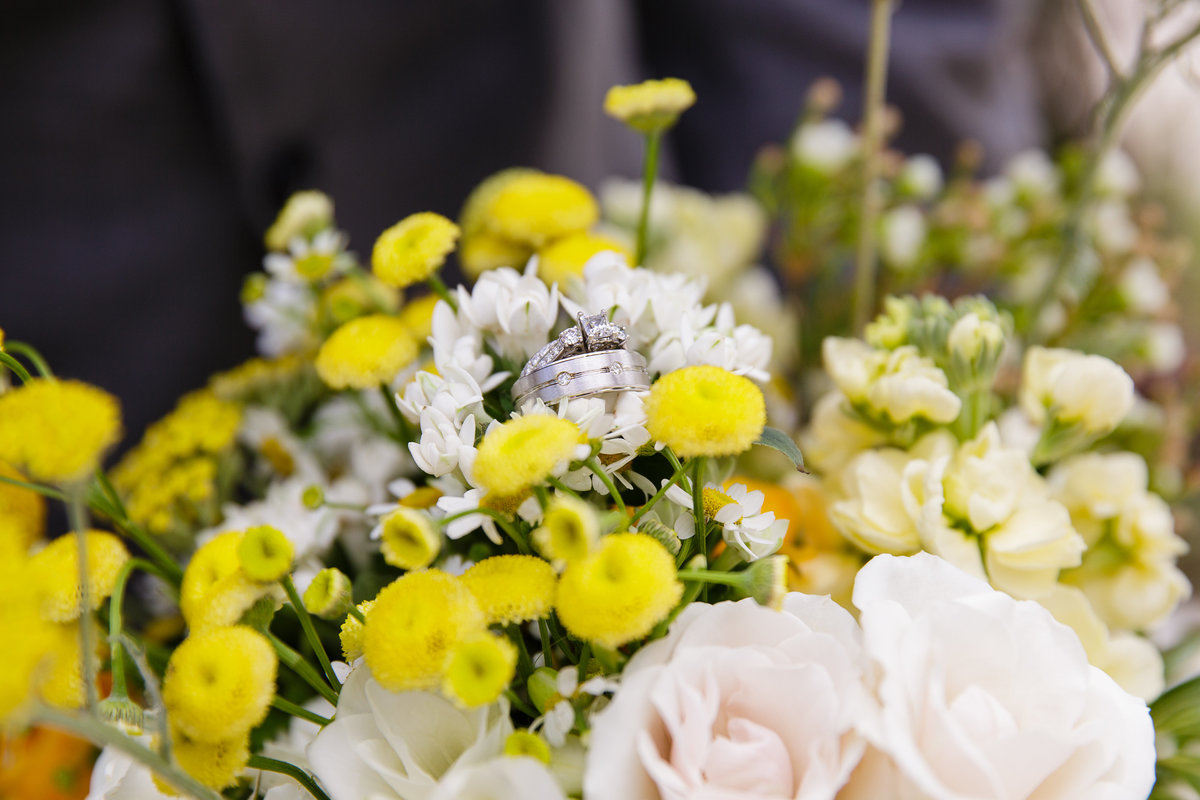 bouquet-and-rings-denver-area-wedding