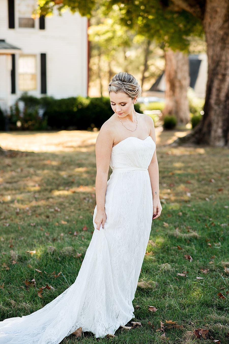 Elegant bride in a strapless sweetheart dress
