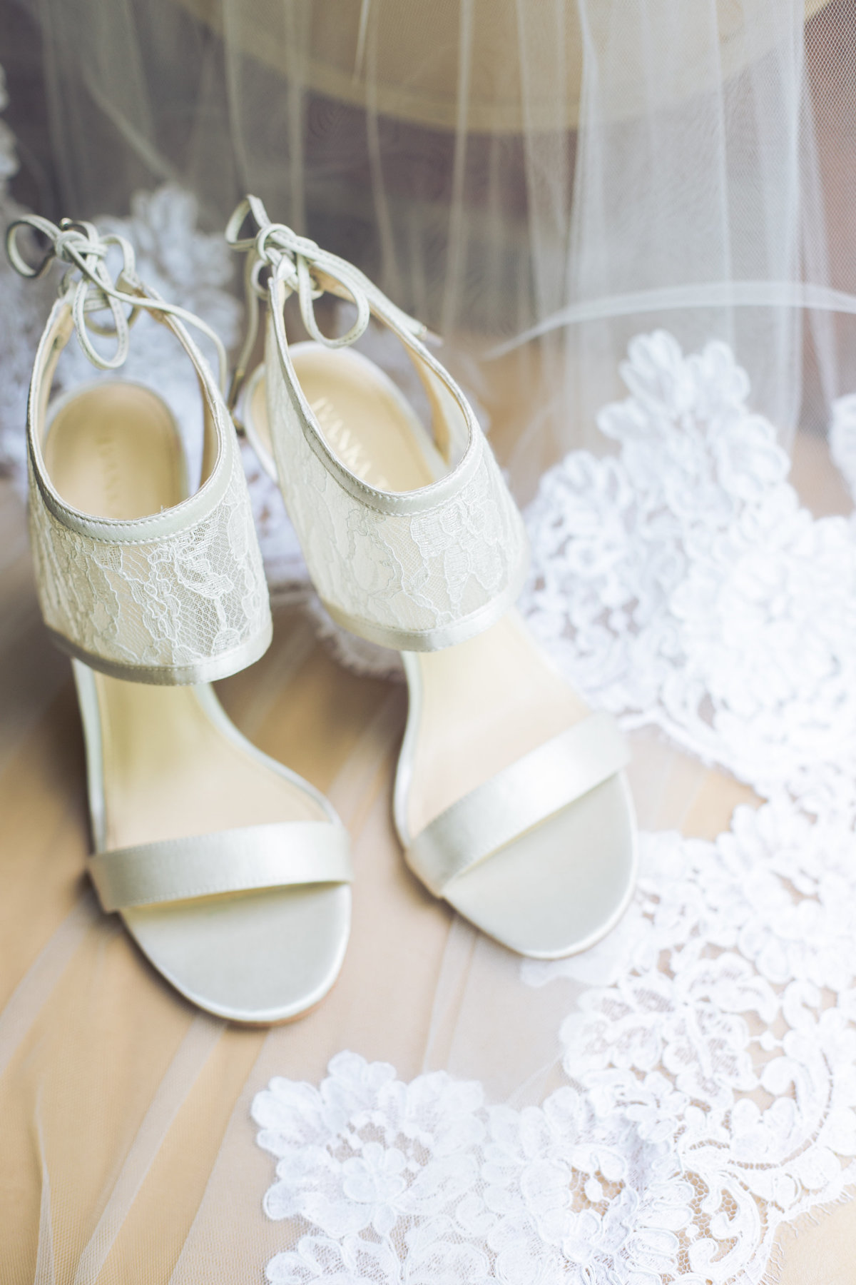 Alisson-and-Joey-Wedding-Bridal-Details-3