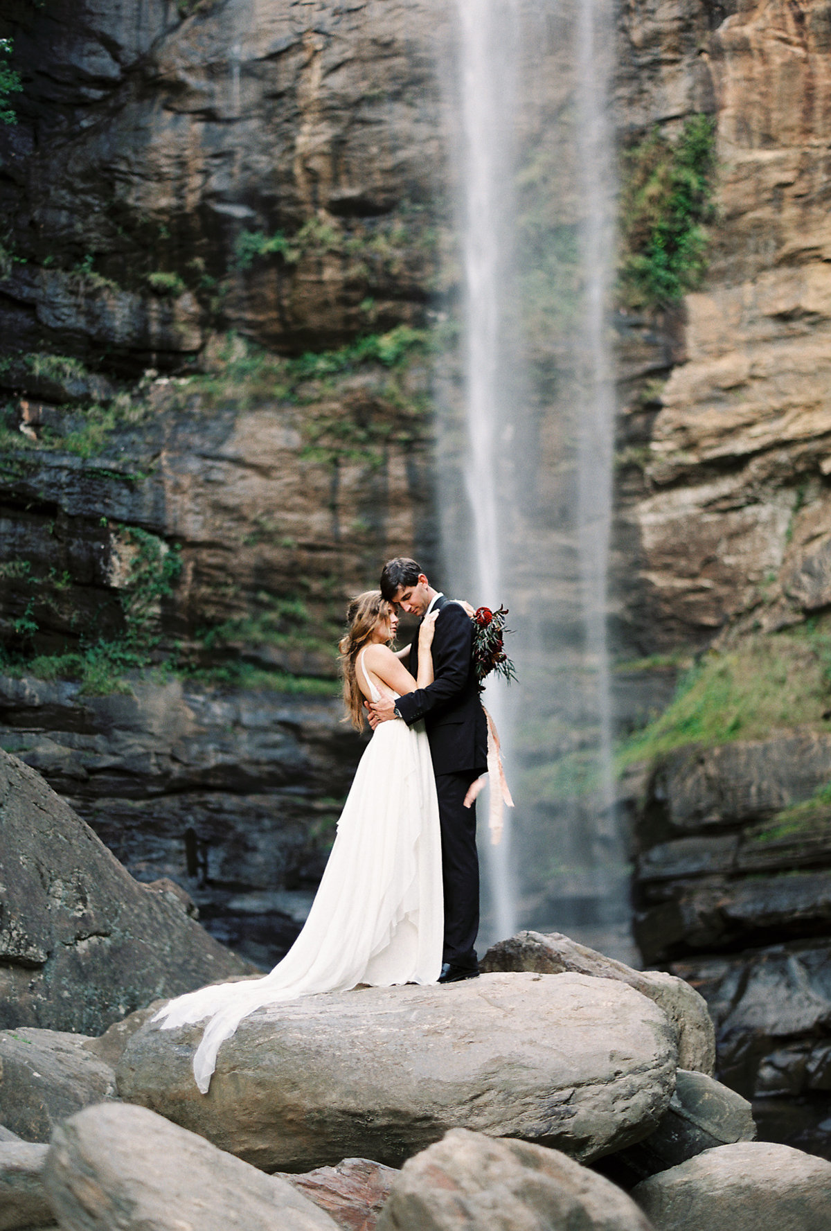toccoa-falls-anniversary-session-melanie-gabrielle-photography-101