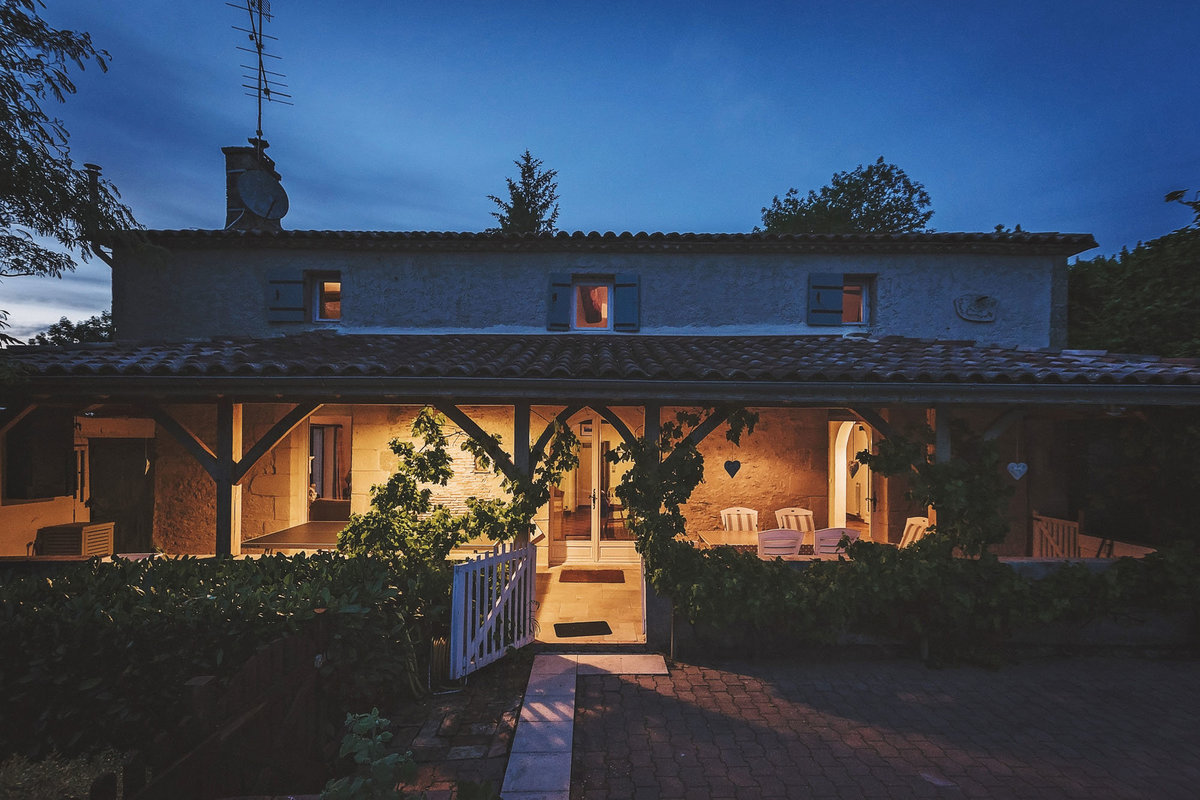 Holiday-Home-to-Rent-Farmhouse-with-pool-South-France (30 of 31)-banner