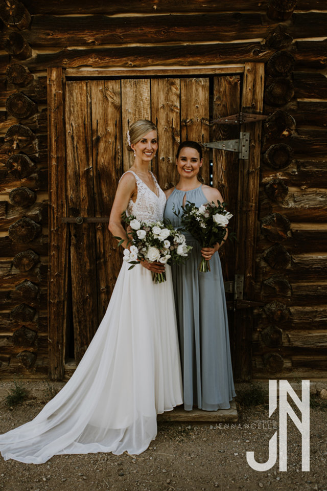 granby-colorado-strawberry-creek-ranch-classic-mountain-wedding-in-the-summer-bridesmaid-and-bride