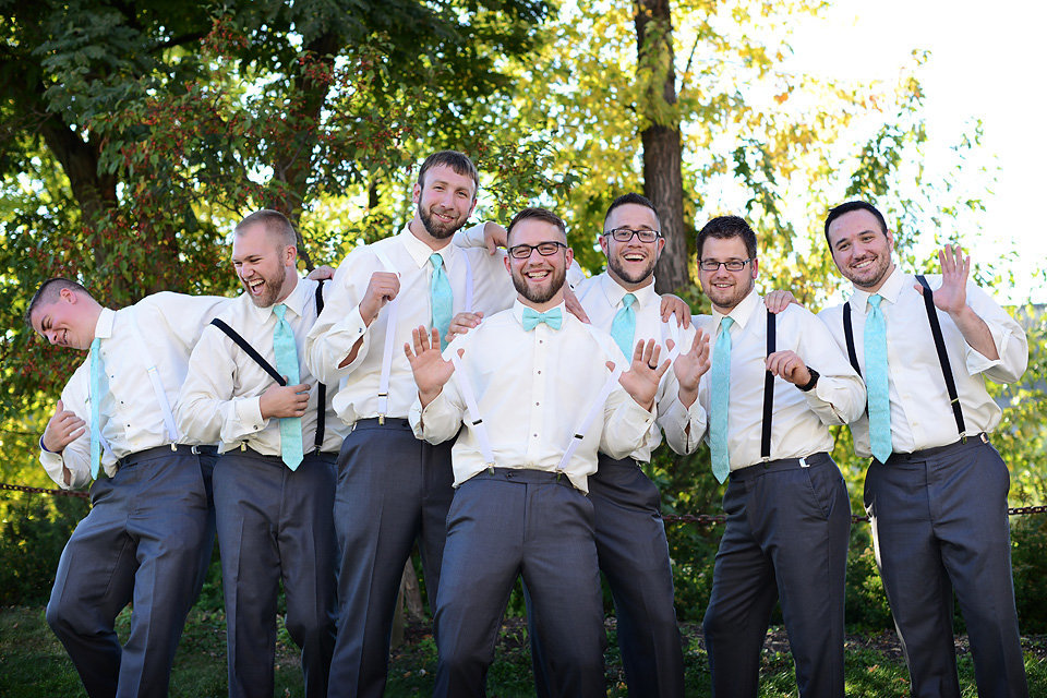 blue_ridge_weddings_photographer_groomsmen_group_shot_zolu