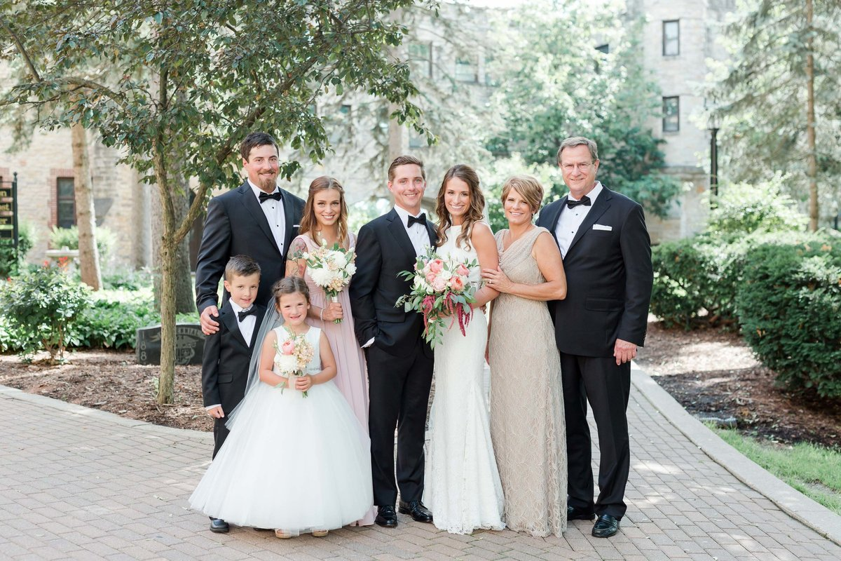 Maison Meredith Photography Wisconsin Wedding Photographer Real Wedding Four 044