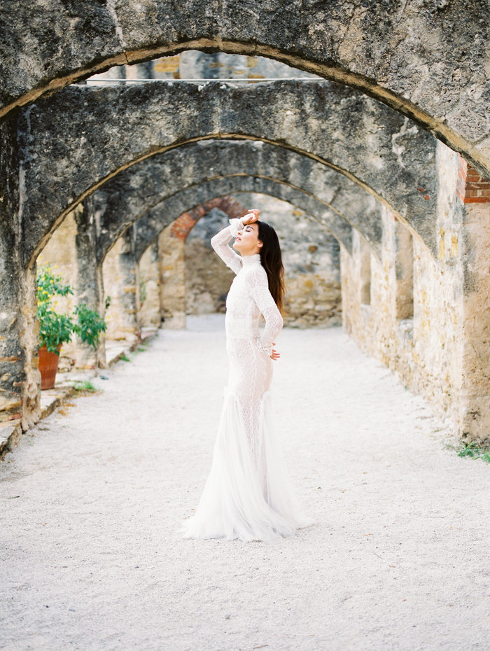 Mission San Antonio Drunken Itailan Wedding Editorial_The Ponces Photography_002