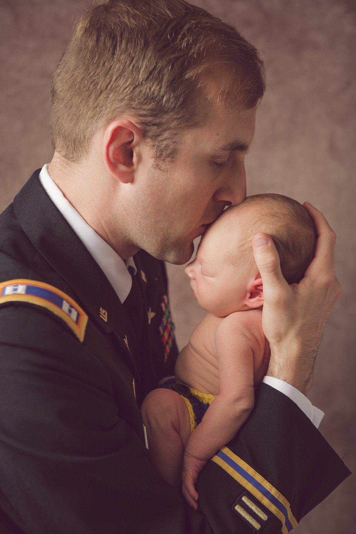 West Point NY newborn baby and army dad in uniform in the Hudson Valley by professional photographer in Cornwall NY photo studio