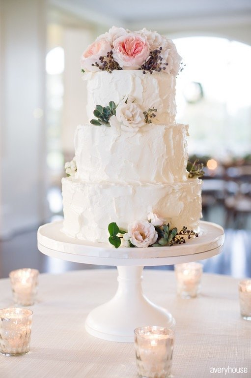 elysia_root_cakes_chicago_wedding_florist_life_in_bloom